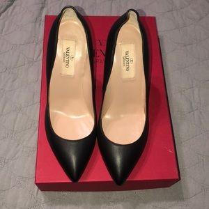 Valentino Garavan black & gold heels, size 35
